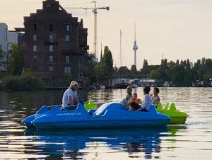 Berlin Kayak Kajak Tretboot Ahoi Ostkreuz